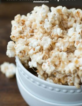 We love our snacks, especially this Marshmallow Popcorn, we can't stop eating it!