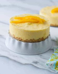 I'm obsesed with mango and this dessert was seriously incredible! Especially that macadamia nut crust! Plus, it's actually really easy! ohsweetbasil.com_