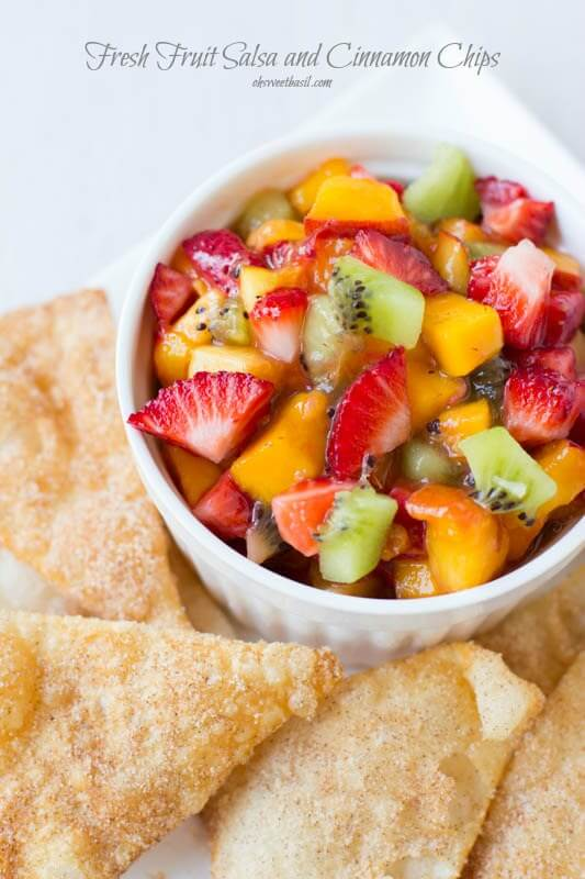 Quick, #Easy #Fruit #Salsa #Recipe with our fave cinnamon sugar @tortillaland chips ohsweetbasil.com_-5