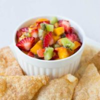 Quick, #Easy #Fruit #Salsa #Recipe with our fave cinnamon sugar chips @tortillaland chips ohsweetbasil.com