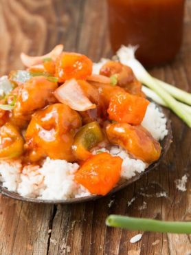 the BEST sweet and sour chicken ever! ohsweetbasil.com