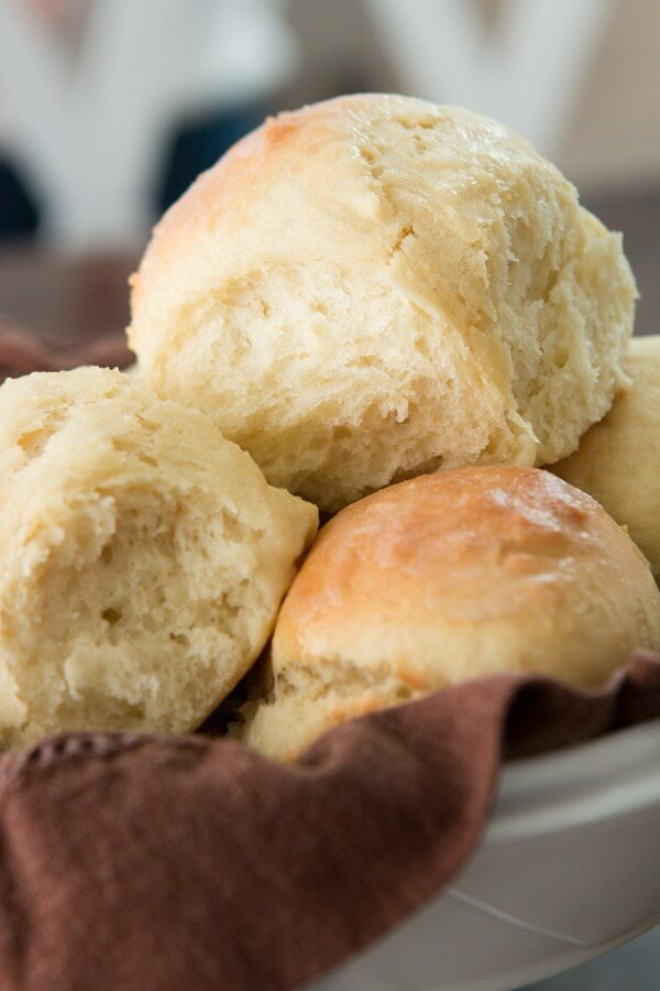 On a time crunch but still want soft and fluffy rolls for dinner tonight? These one hour rolls are soft and fluffy perfection!
