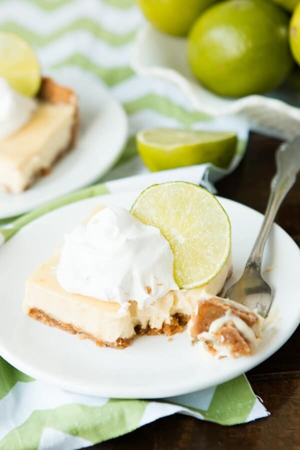 Key Lime Bars - Torta de Limao ohsweetbasil.com