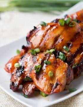Oh my goodness, you have to try this grilled Hawaiian chicken!!! ohsweetbasil.com