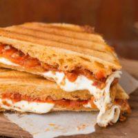 sun dried tomato pesto and mozzarella panini recipe for lunch ideas! ohsweetbasil.com