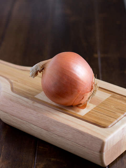 How to avoid crying when slicing an onion ohsweetbasil.com