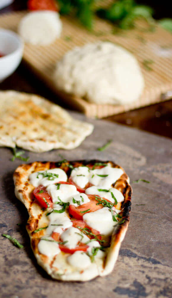 Grilled-Naan-Pizza.jpg