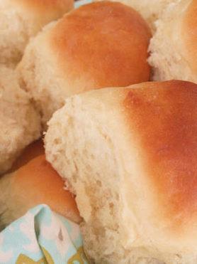 Best Bites Fluffy Dinner Rolls