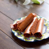 strawberry fruit leathers with spinach and carrots as secret ingredients ohsweetbasil.com