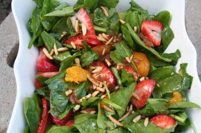 strawberry salad with brown sugar almonds and lemon dressing ohsweetbasil.com