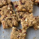 Pomegranate yogurt bites hidden in healthy granola bars loaded with applesauce, craisins, wheat germ etc. Perfect for #backtoschool ohsweetbasil.com-3