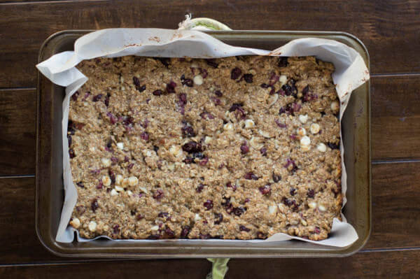 Pomegranate yogurt bites hidden in healthy granola bars loaded with ...