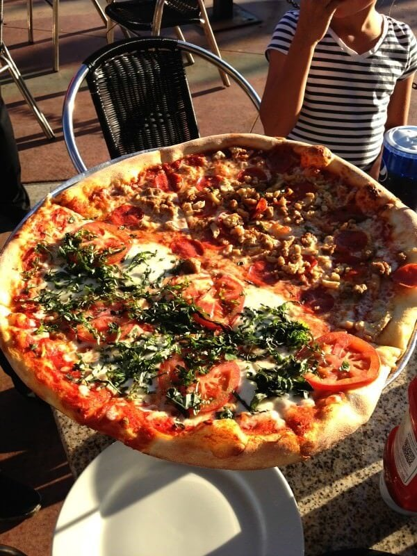 pizza at maxwells in park city