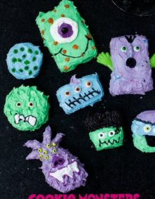 Halloween cookie #monsters are so much fun to make! Plus read the tips in the recipe about how to make different monsters with one easy tip #halloween ohsweetbasil.com