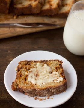 Holy deliciousness! Snickerdoodle Banana Bread-!! ohsweetbasil.com-3