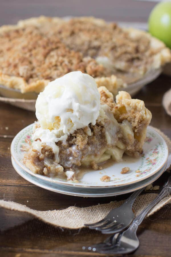 The best dutch apple pie I've ever had. Like, ever. #thanksgiving #pie ohsweetbasil.com-9