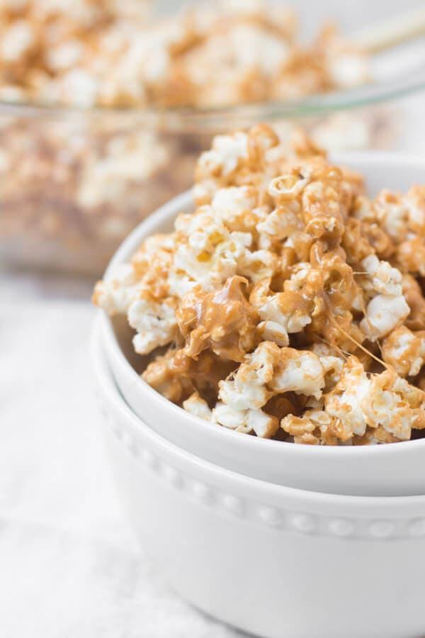 pumpkin spice marshmallow popcorn ohsweetbasil.com