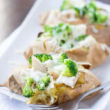 Serving up a healthier dinner that can be ready in just minutes and is atually filling! Chicken and broccoli in a white sweet potato ohsweetbasil.com-3