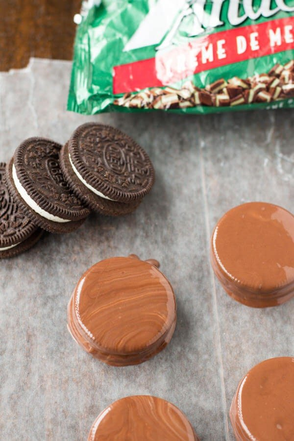Two Ingredient thin mint oreos that are so addicting I had to hide them from myself. For. Real. ohsweetbasil.com-4