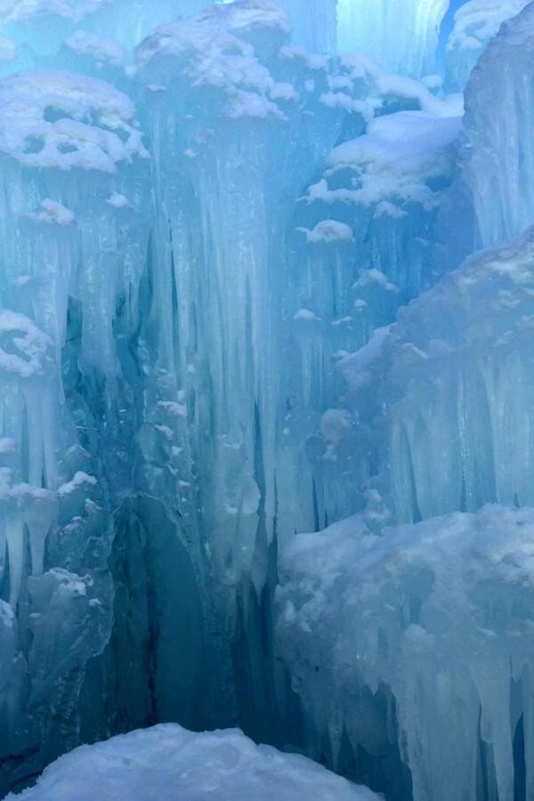 ice castles midway utah.jpg