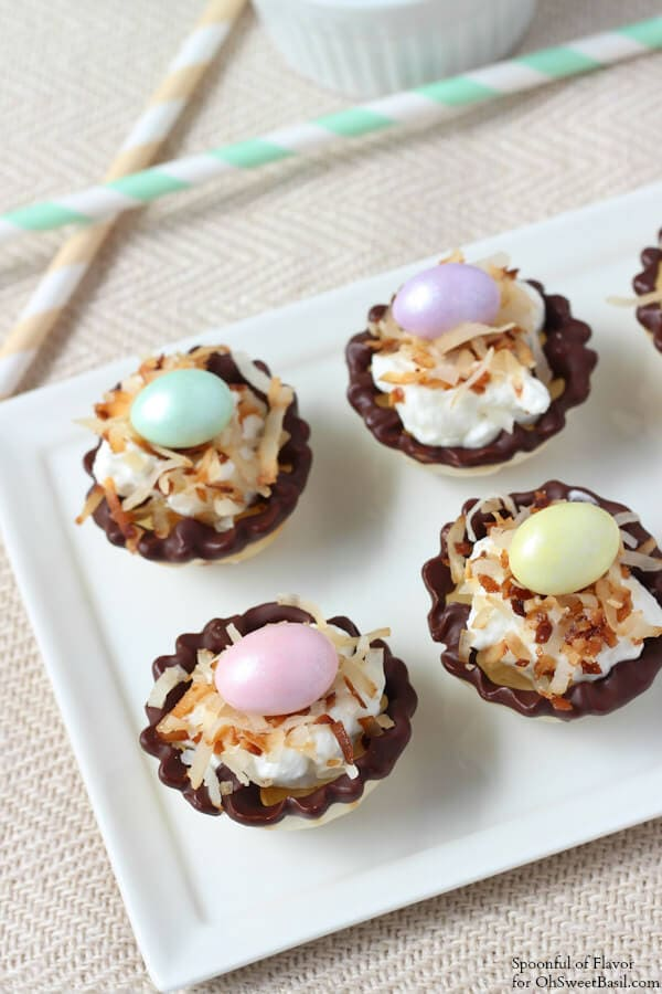 Banana Coconut Cream Bites - an easy and impressive little dessert! Easter dessert, spring