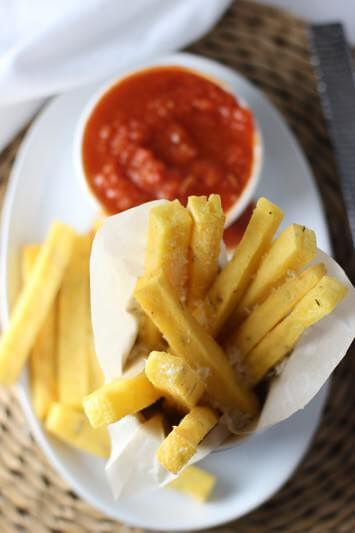 Baked-Polenta-Fries-with-Spicy-Tomato-Sauce-8