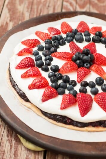 berry fruit pizza pie! Tastes like a pie, looks like a pizza so no one can mess it up! ohsweetbasil.com