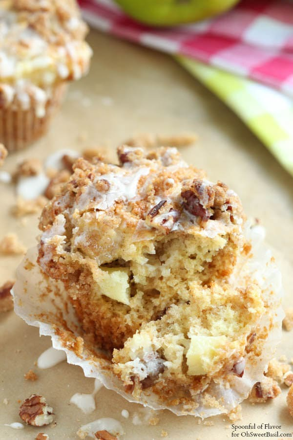 ... ://www.ohsweetbasil.com/2014/09/apple-coffee-cake-muffins-recipe.html
