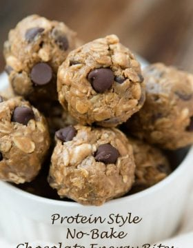 Protein no bake chocolate energy bites for the best snack ever! ohsweetbasil.com Heatlhy snack that tastes like cookie dough!