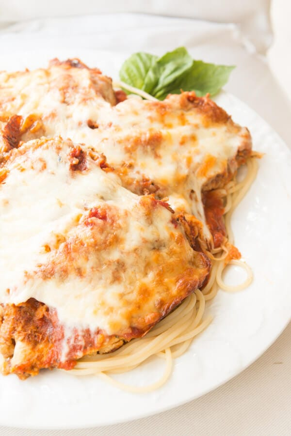 ... easy balsamic and caramelized onion chicken parmesan ohsweetbasil.com