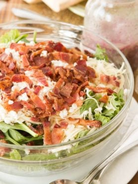 Bacon spinach salad with poppy seed dressing absoluetly must be your next side ohsweetbasil.com
