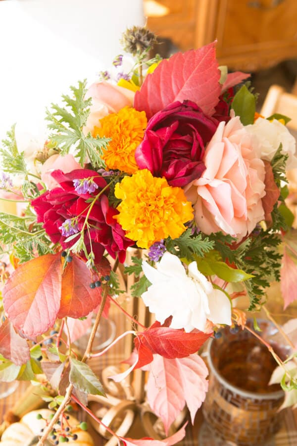 florals for a dinner party ohsweetbasil.com