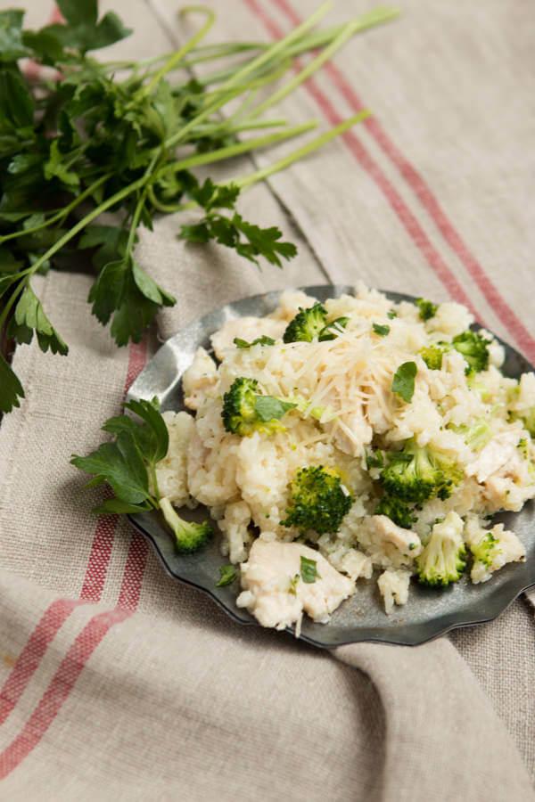Easy slow cooker chicken alfredo rice casserole ohsweetbasil.com pressure coooker, crockpot, insta pot
