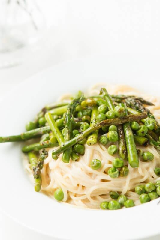 Creamy garlic lemon butter pasta primavera. And it's easy! ohsweetbasil.com