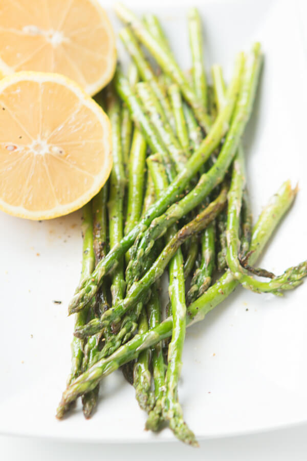 Easy grilled lemon pepper asparagus recipe for a great side dish ohsweetbasil.com
