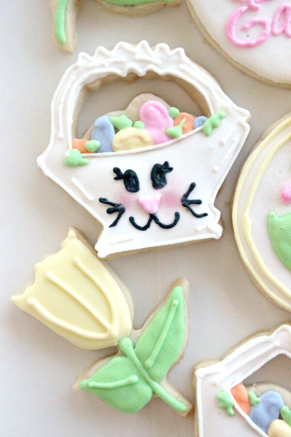 Bunny Face Easter Basket Cookies