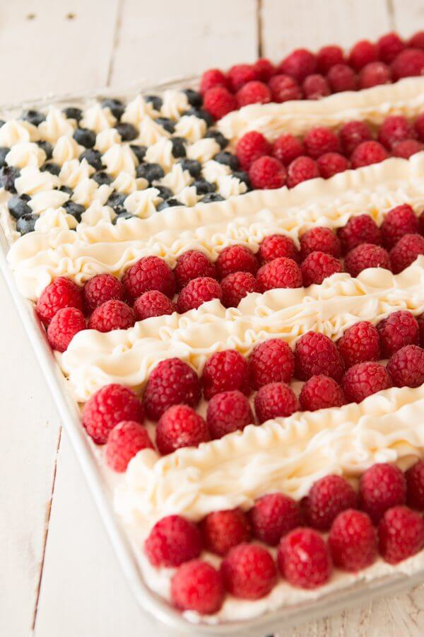 Could this flag cake be better than Ina Garten's? I think it might! ohsweetbasil.com