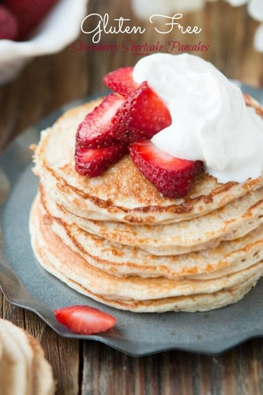 Trying to eat healthy? You HAVE to try these skinny strawberry shortcake gluten free pancakes ohsweetbasil.com