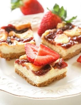 Strawberry cheesecake bars ohsweetbasil.com