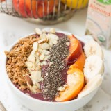 PB&J protein green smoothie bowls for the best start to the day ever! ohsweetbasil.com