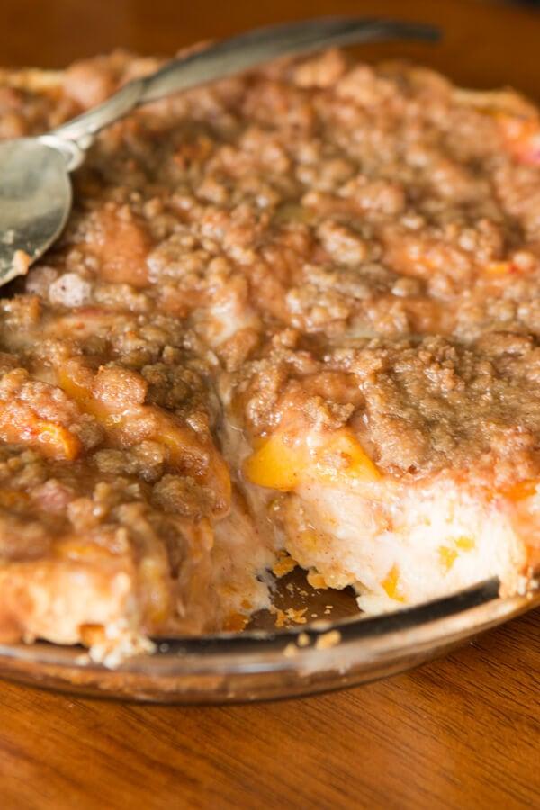 The best pie of the season, sour cream peach pie! ohsweetbasil.com