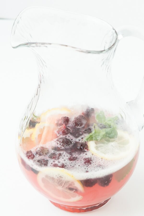 Sparkling blackberry lemonade for these final, hot summer days ohsweetbasil.com