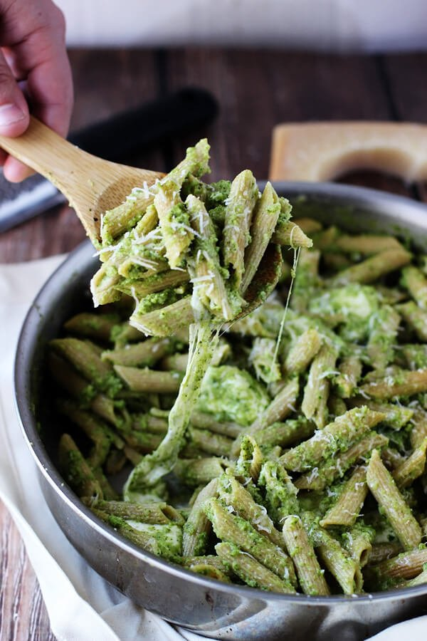 Cheesy-Baked-Penne-with-Broccoli-and-Spinach-Pesto