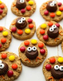 Simple and adorable turkey peanut butter cookies - perfect for Thanksgiving!