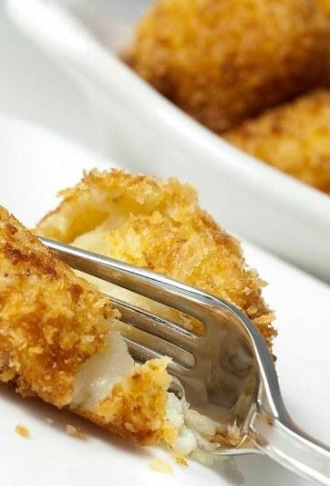 cheesy-roasted-garlic-potato-ballsSB