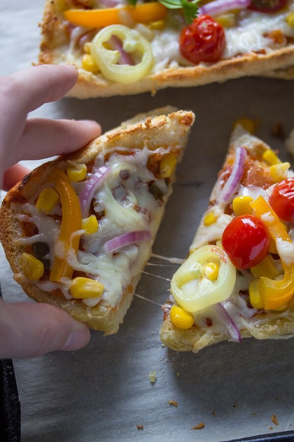 Santa Fe French Bread Pizza, an easy weeknight dinner recipe that is ready in under 30 minutes!