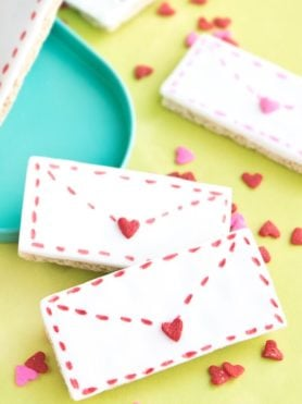Not only are these graham cracker love letters perfect for the kids to make but they would be awesome for a Valentines party at school too!