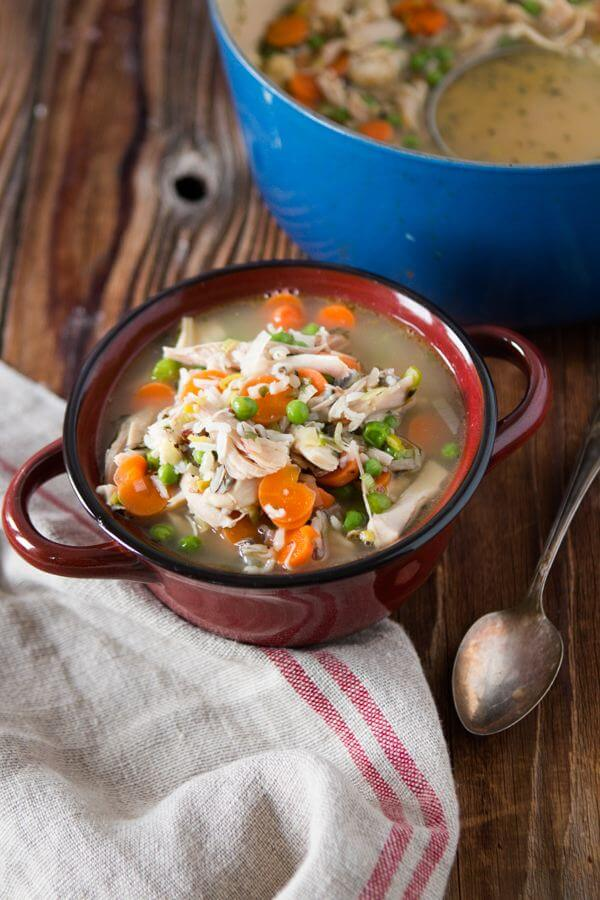 Chicken, wild rice, leeks and enough veggies to fill your belly! Chicken wild rice leek soup for all year round! ohsweetbasil.com
