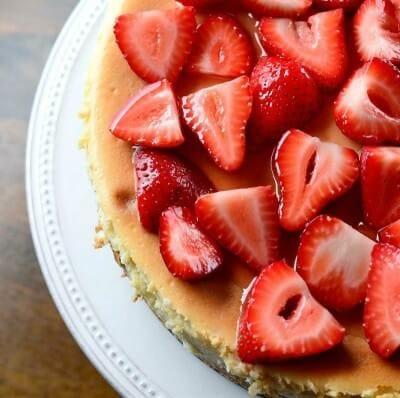 white-chocolate-strawberry-cheesecake-2-FB