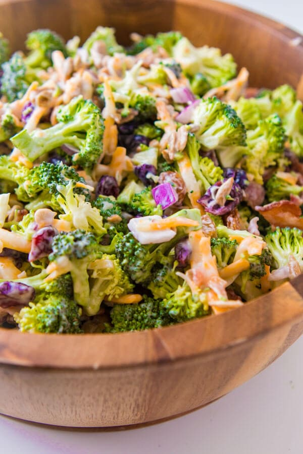 Everyone's favorite quick and easy side dish, our best broccoli salad recipe that's perfect for potlucks and BBQs. Plus, it has bacon in it!! ohsweetbasil.com